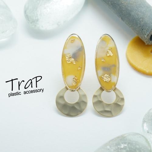 TraP オーバルフレーム×メタルパーツ ピアス