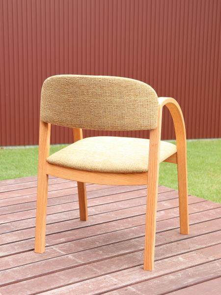 新作椅子 fufuチェア