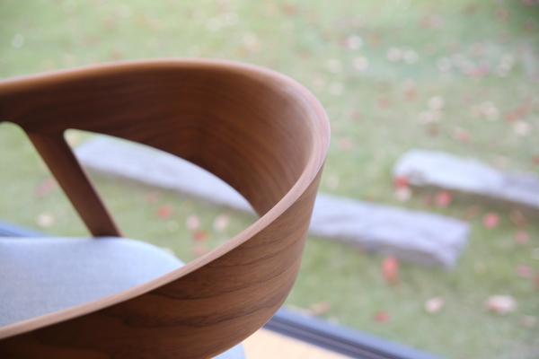 曲木加工の椅子