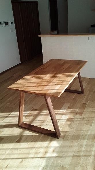 テーブルのお届け写真