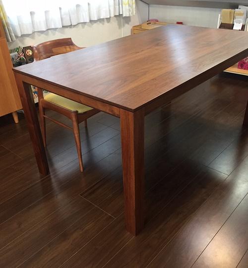 テーブルとチェアのお届け写真