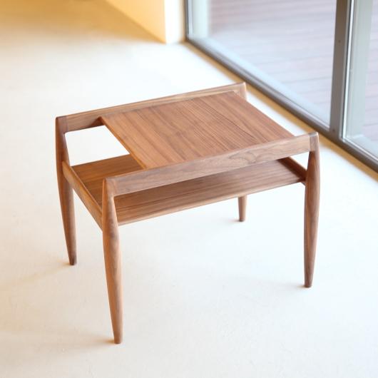 新作サイドテーブル