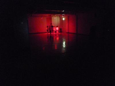 27暗いホールの奥へ.JPG