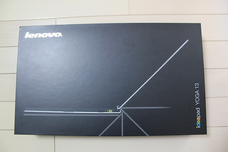 IdeaPad YOGA13の箱