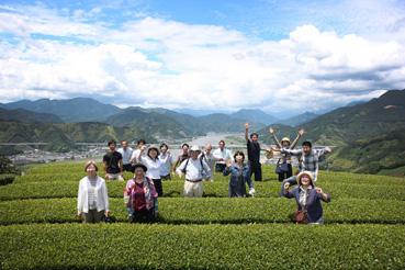 本山茶の畑でやっほ〜