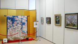 杉本さんの振袖と絵画