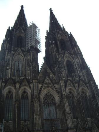 大聖堂下から
