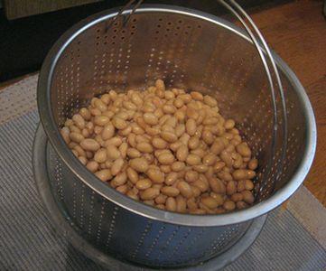 大豆はパスタ鍋で。