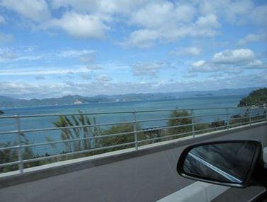 車窓からの眺めがきれいすぎる…