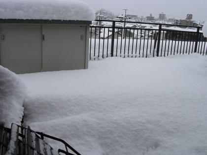 ベランダが雪国