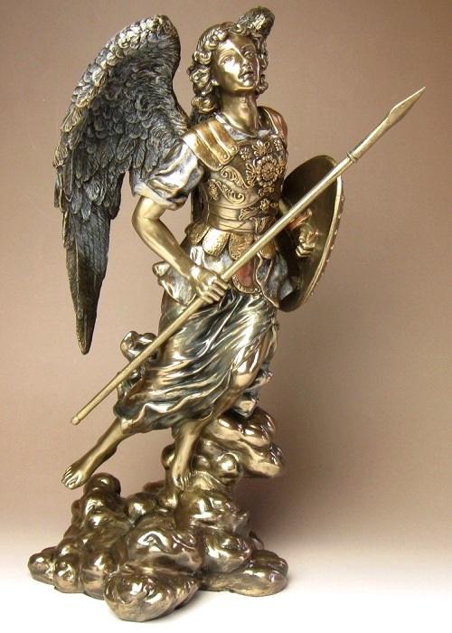 大天使ラファエル像