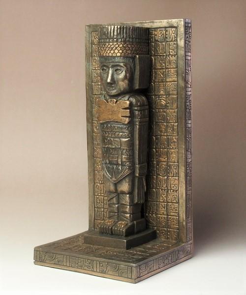 トゥーラの戦士像