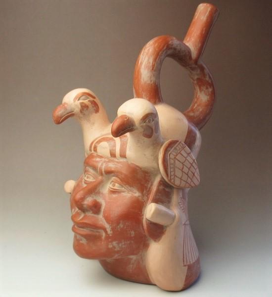 人物象形鐙形注口壺