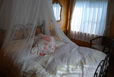 ダブル寝室