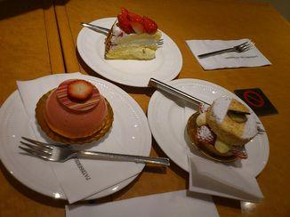 カタシマのケーキです。イチゴがいっぱい☆