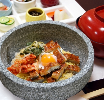石焼きうな丼ビビンバ風870