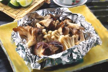 松茸とキノコのホイル焼き