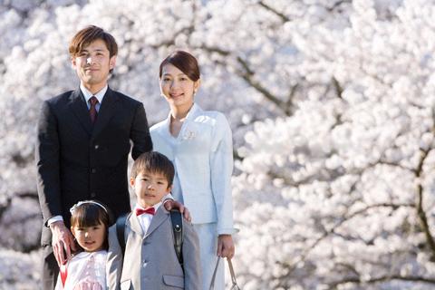 新1年制親子と桜