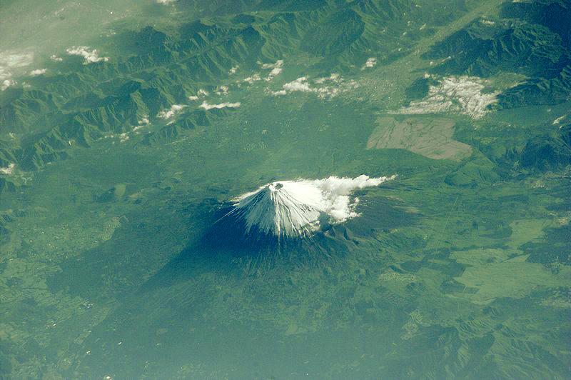 独立峰富士