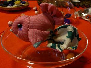 金魚の置き物