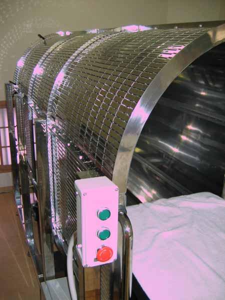 最新式ゼロ磁場ドームの側面