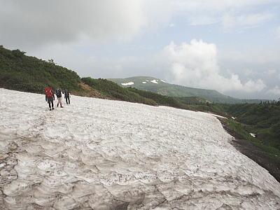 大きな雪渓