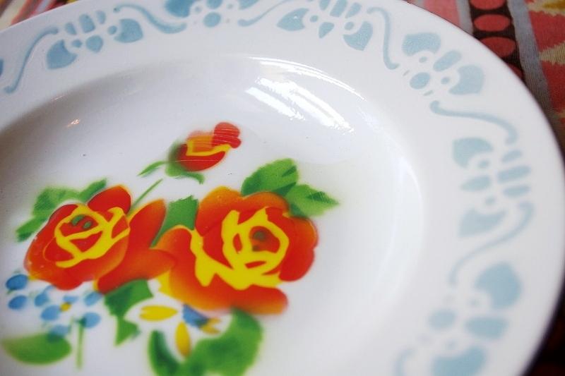 レトロなホーロー皿