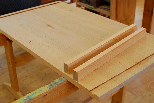 木組みのデスク