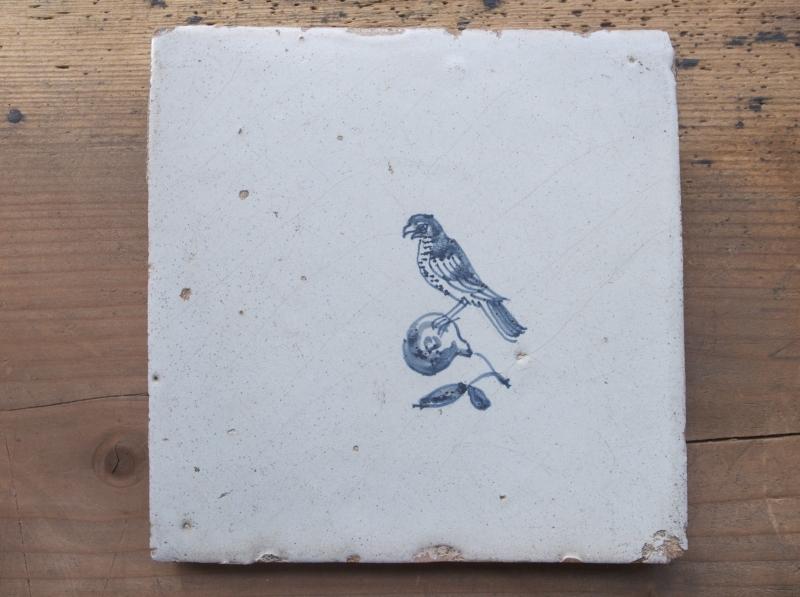 タイル鳥1