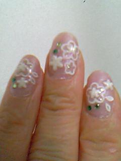 白い花ネイル