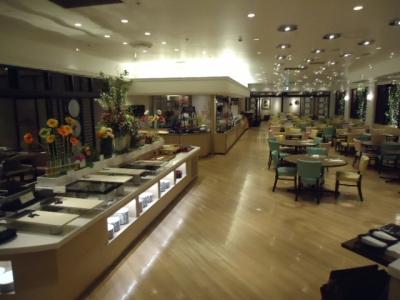 第一ホテル東京「世界バイキング エトワール」ブュッフェ 店内席