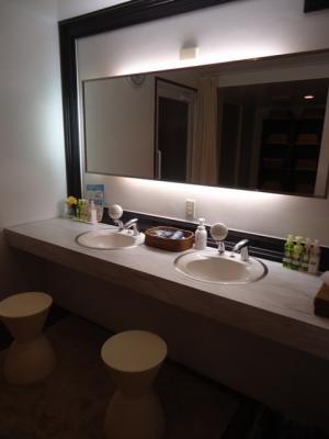御宿「サヤン・テラス」大浴場 洗面台