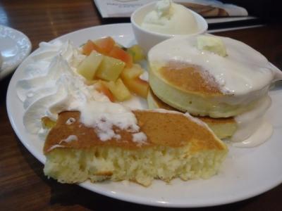 名古屋「はちの巣カフェ 矢場町店」ジュニアパンケーキ
