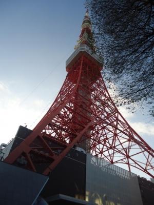32芝公園ビル前から東京タワー