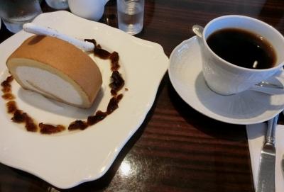 六本木 集 コーヒー ロールケーキ