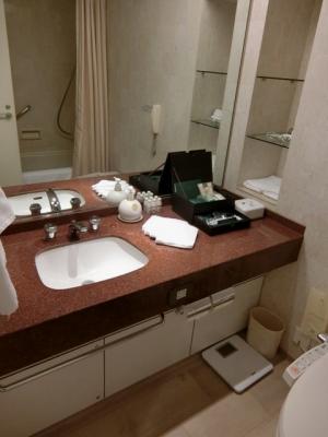 リーガロイヤルホテル大阪 クラブフロア ザ・プレジデンシャルタワーズ ダブルルーム部屋 洗面台