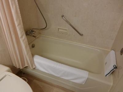 リーガロイヤルホテル大阪 クラブフロア ザ・プレジデンシャルタワーズ ダブルルーム部屋 風呂浴槽
