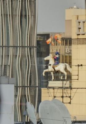 銀座 HERMES エルメス 屋上 馬に乗った騎士像