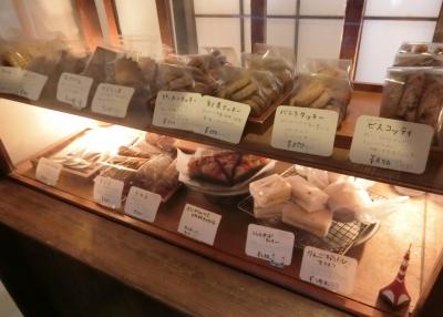 東麻布/赤羽橋「ルスルス」店内 焼き菓子