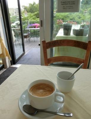 六本木 東京ミッドタウン Napuleピッツェリア・トラットリア ナプレ ランチコーヒー カフェオレ