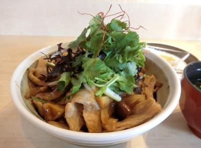 麻布十番「嘉 YOSHI」ランチ豚丼