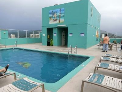 ハワイ「アクア パシフィック モナーク Aqua Pacific Monarch」プール