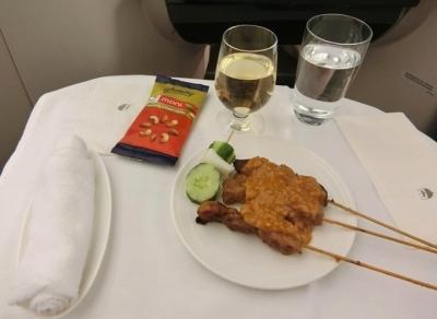 マレーシア航空 ビジネスクラス成田〜クアラルンプール 機内食 サテー
