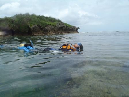 沖縄の海を家族で満喫!シュノーケリングツアー