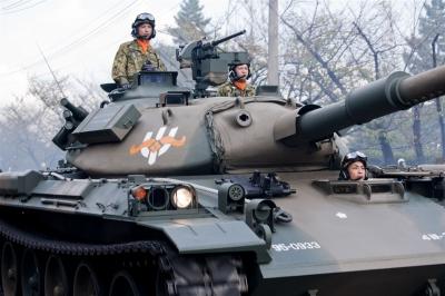 戦車西部方面隊創隊55周年記念パレード