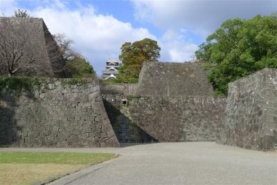 櫨方門から熊本城