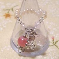 淡いピンクに彩る 淡水パールで紡いだインカローズのリング
