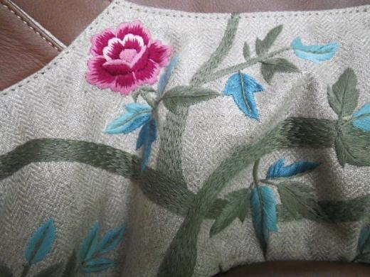 ヘリンボーンに『ガーデン刺繍』