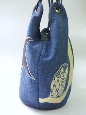 『フクロウ刺繍』のバッグ