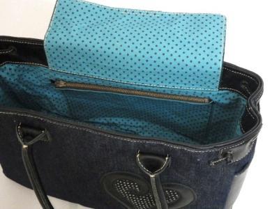 革とデニムのふた付きトートバッグ